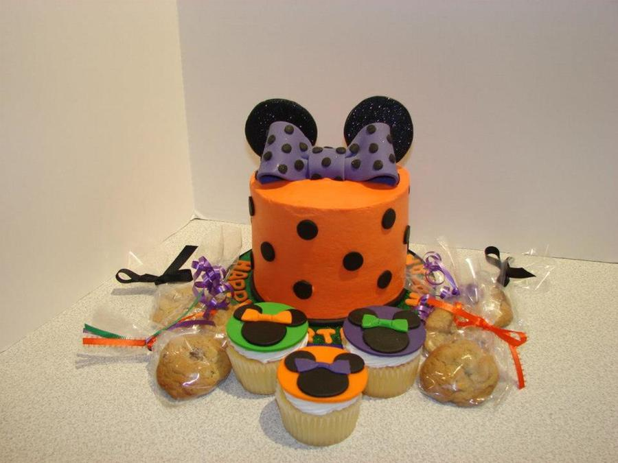 Minnie Mouse Theme In Halloween Colors on Cake Central