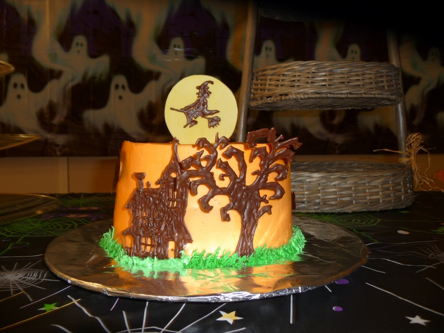 Spooky House And Tree Cake on Cake Central