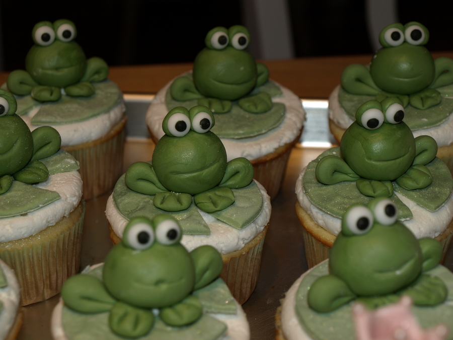 "Frog Cupcake For ""princess & Frog"" Themed Party on Cake Central"