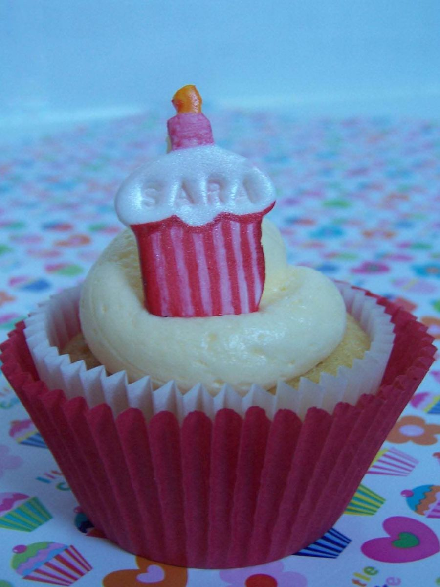 Cupcake on Cake Central