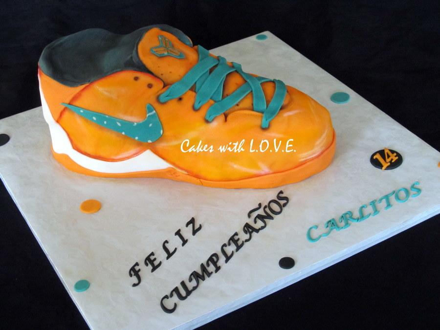 Kobe Bryant Shoe Cake Cakecentral Com