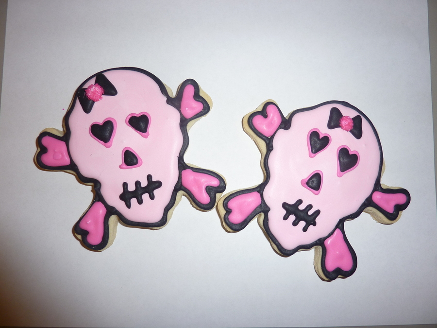 Pink Skull And Crossbones on Cake Central