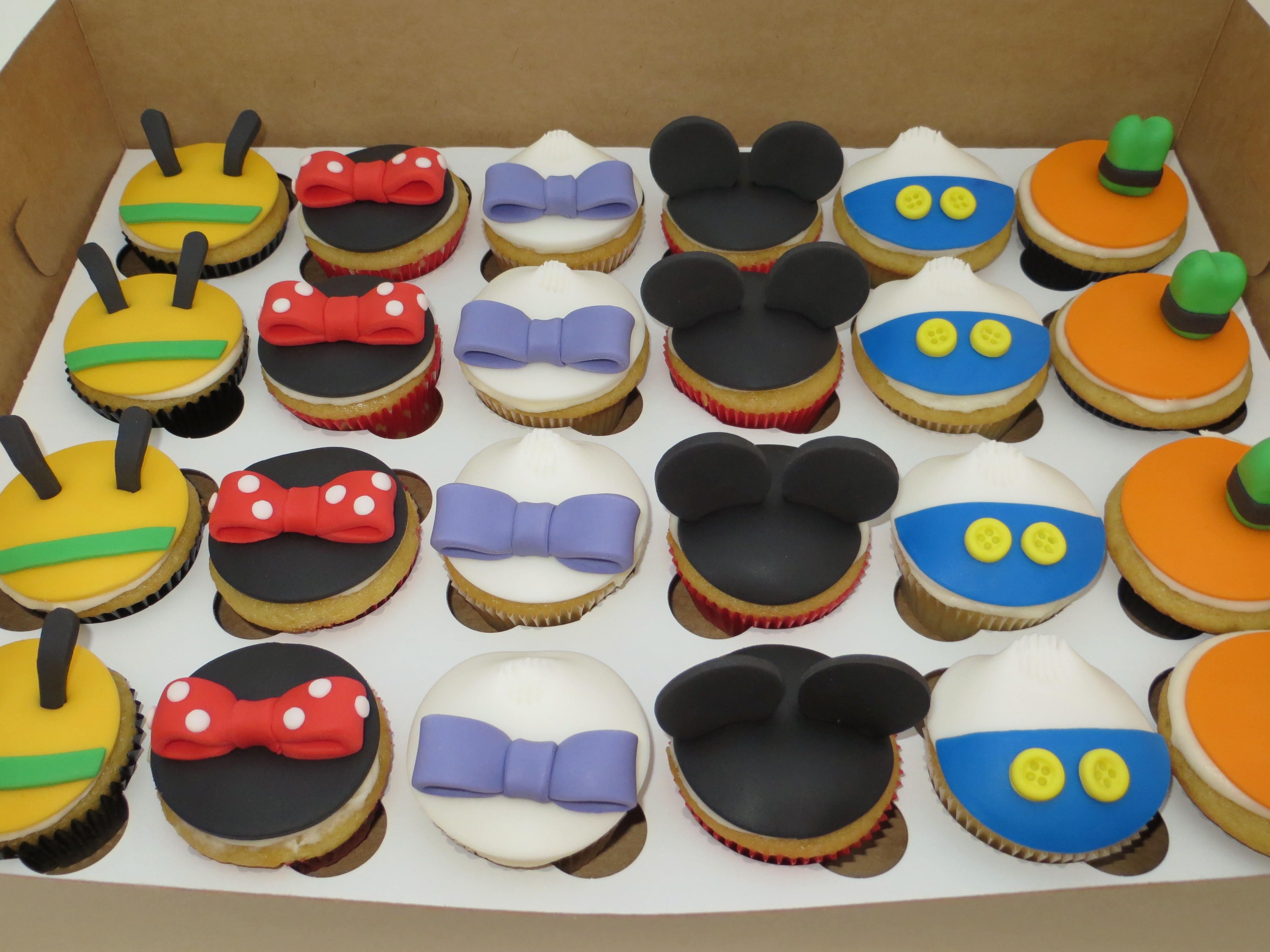 Mickey Mouse Cake Cupcakes