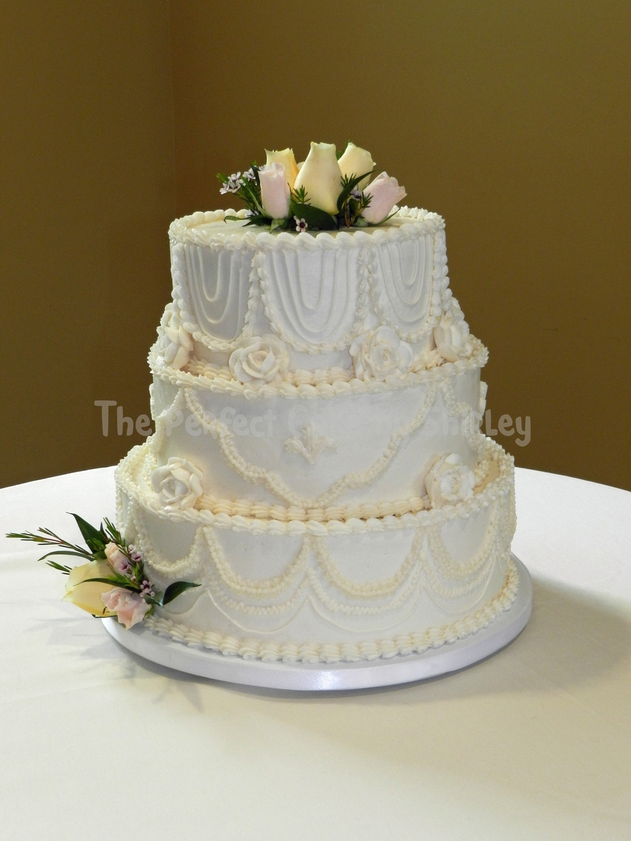 Traditional Scalloped Wedding Cake on Cake Central
