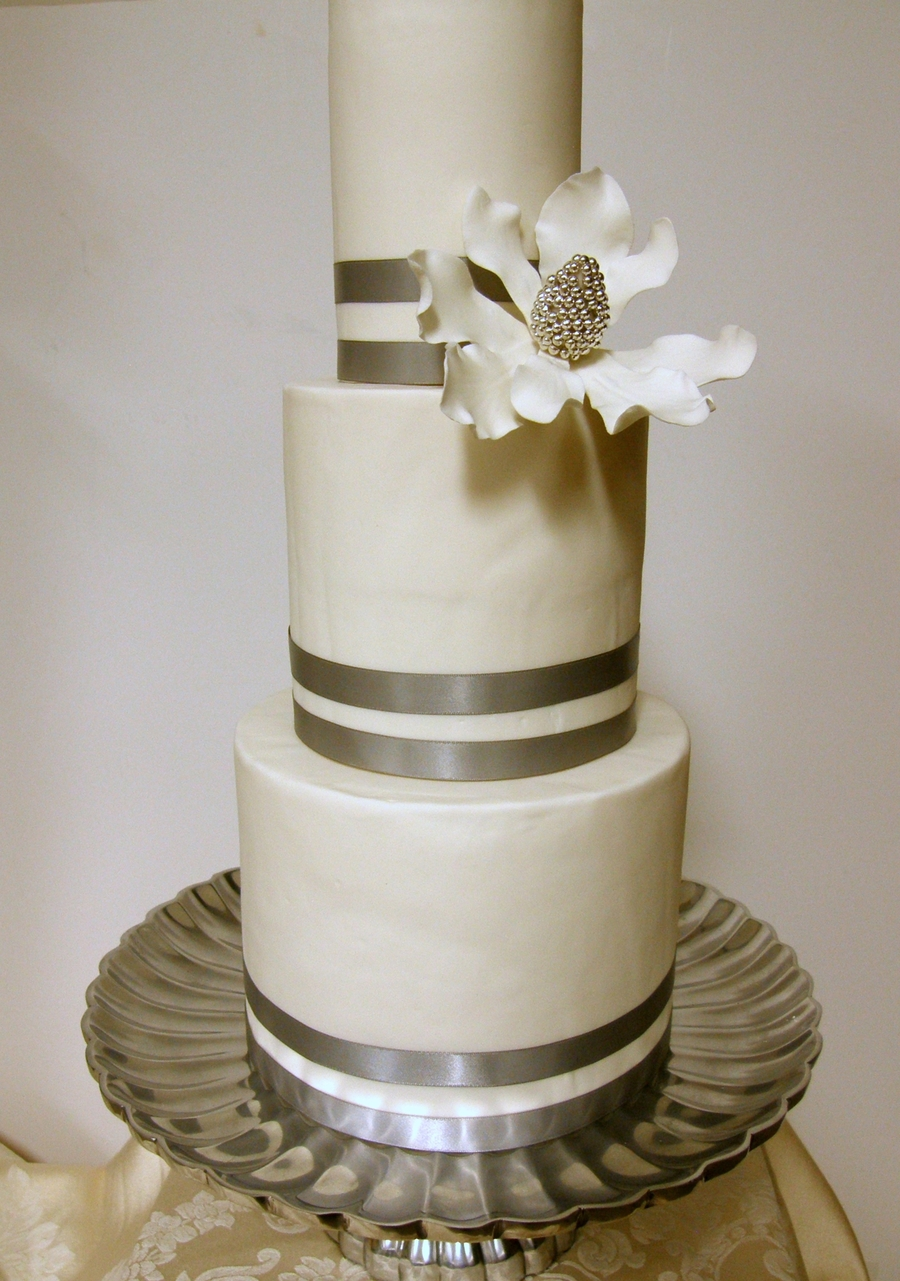 Silver And White  on Cake Central