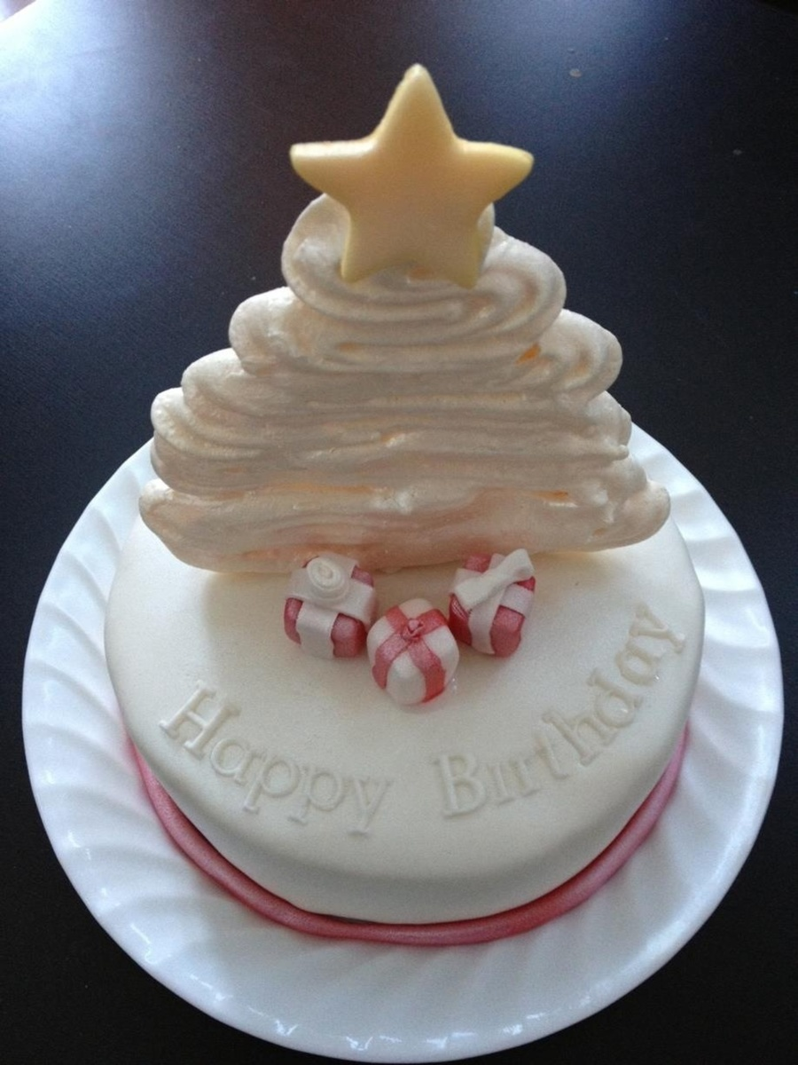 It Cant Be Easy To Have A Christmas Birthday 6 Cake With Meringue Tree Fondant Star And Presents on Cake Central