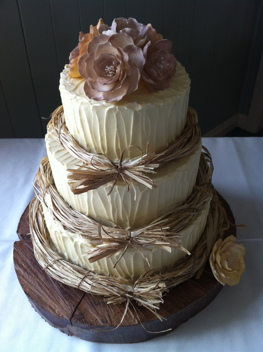 Torte Matrimonio Country Chic : Rustic wedding cake cakecentral