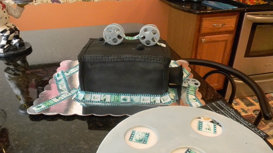 Old Fashioned Video Camera  on Cake Central