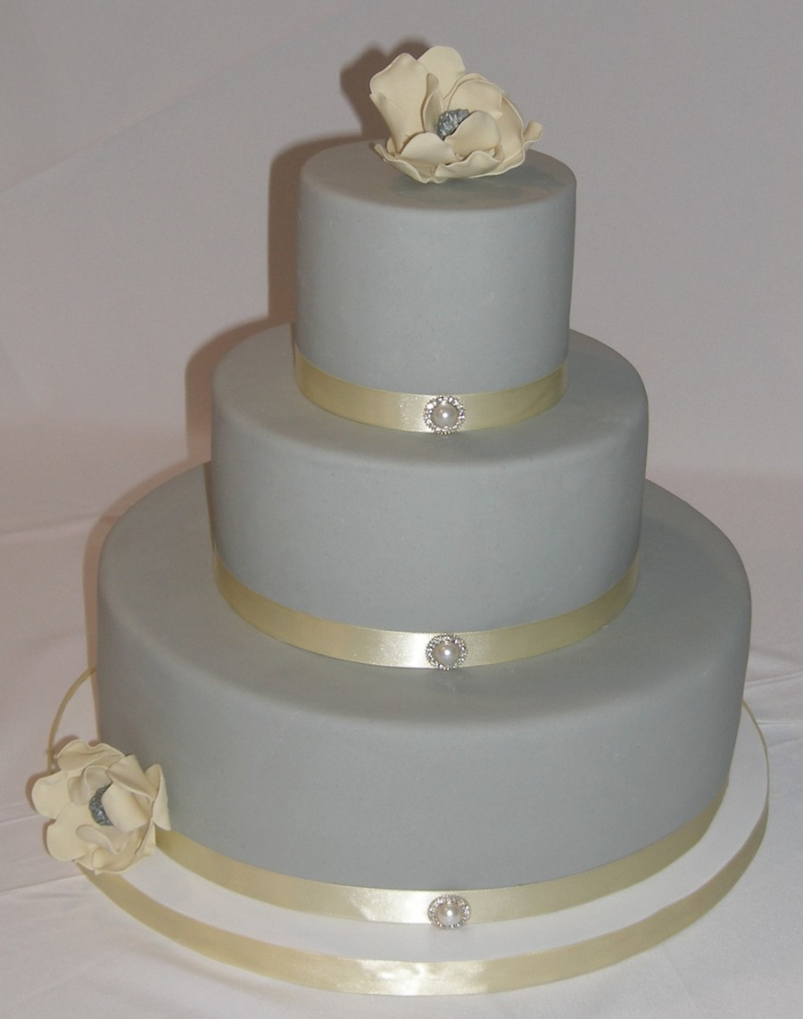 Gray & Yellow With Sugar Magnolias  on Cake Central