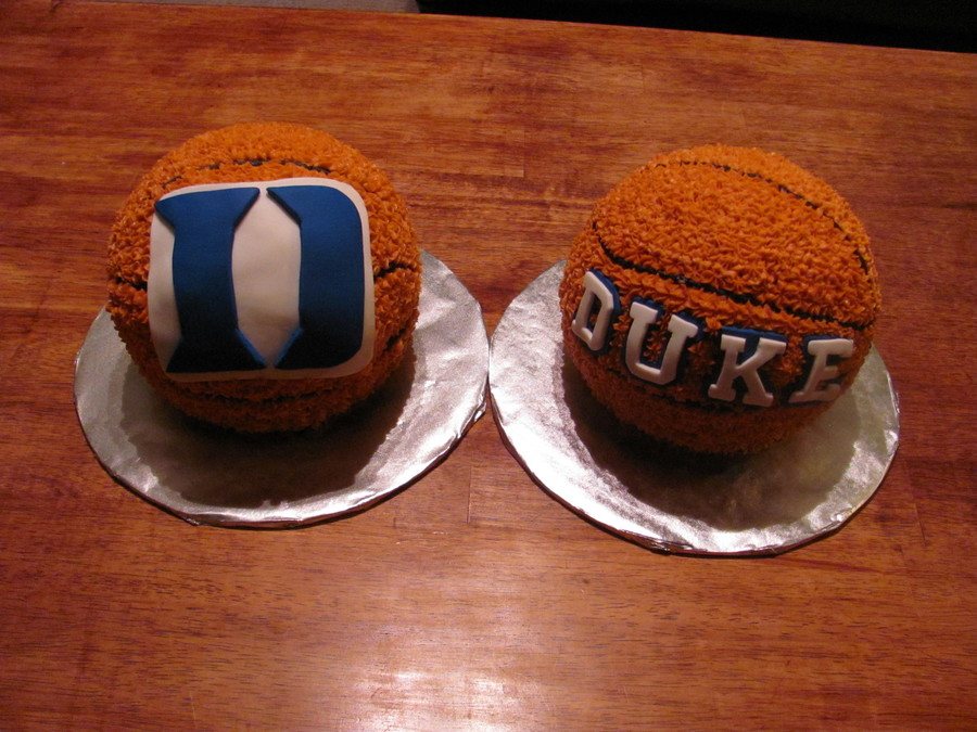 Cakes Made For 2 Ultimate Duke Basketball Fans Who Were Celebrating Their 40th Birthday I Used The Ball Cake Pan Covered With A Star Tip And
