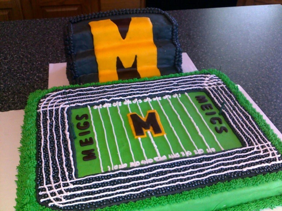 Football Field And Bleachers on Cake Central
