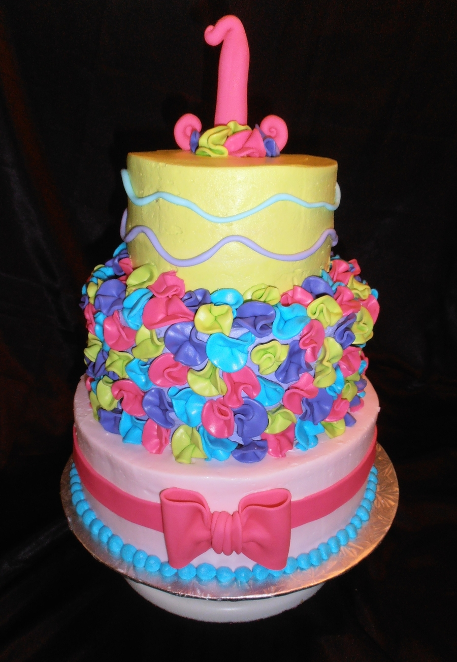 1St Birthday Ruffles And Bows on Cake Central