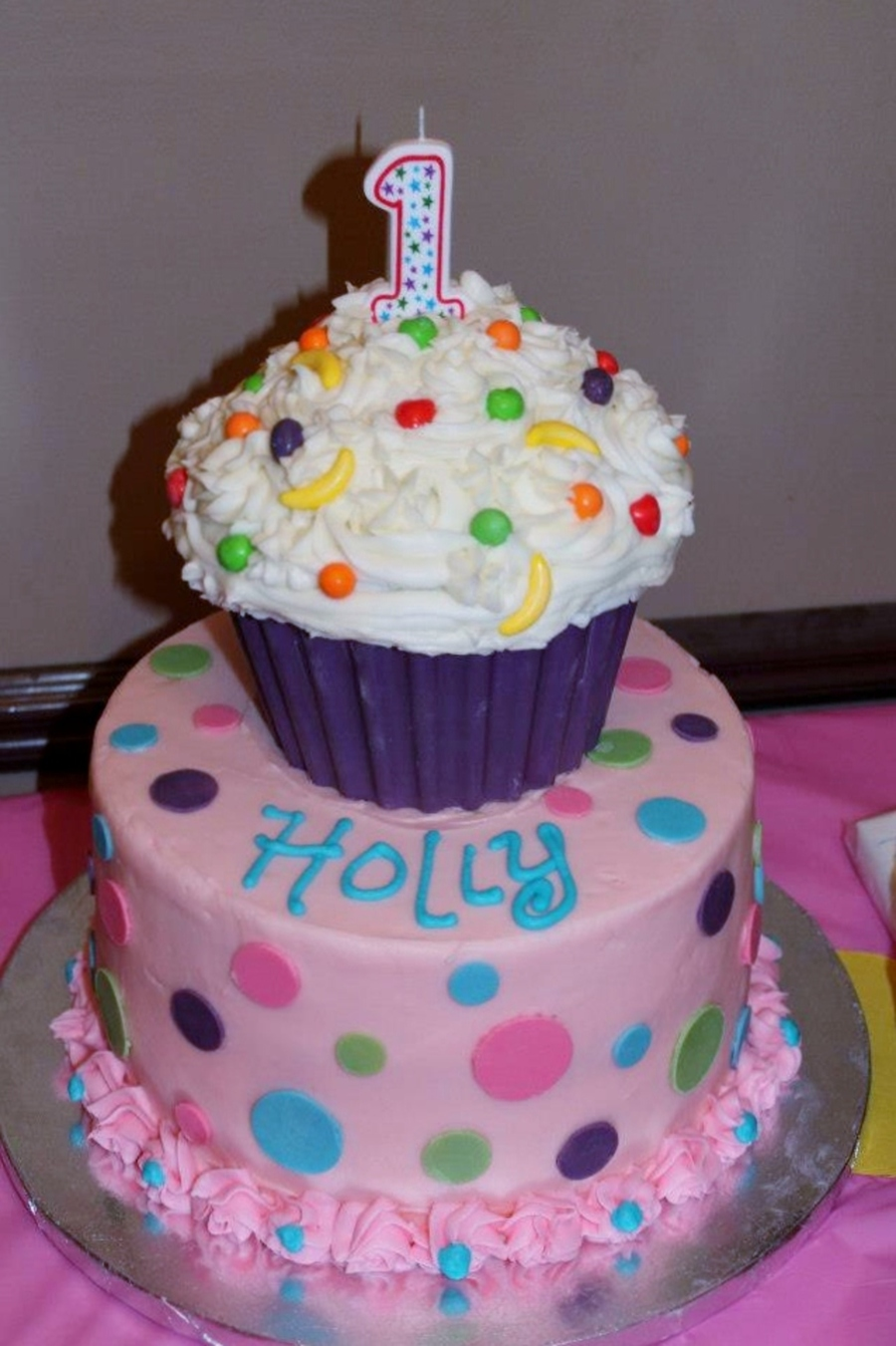 900 6102718hbs first birthday Pretty Birthday Cakes For A Girl Pink Cake With Flowers For A Baby Girl Cakecentral Com