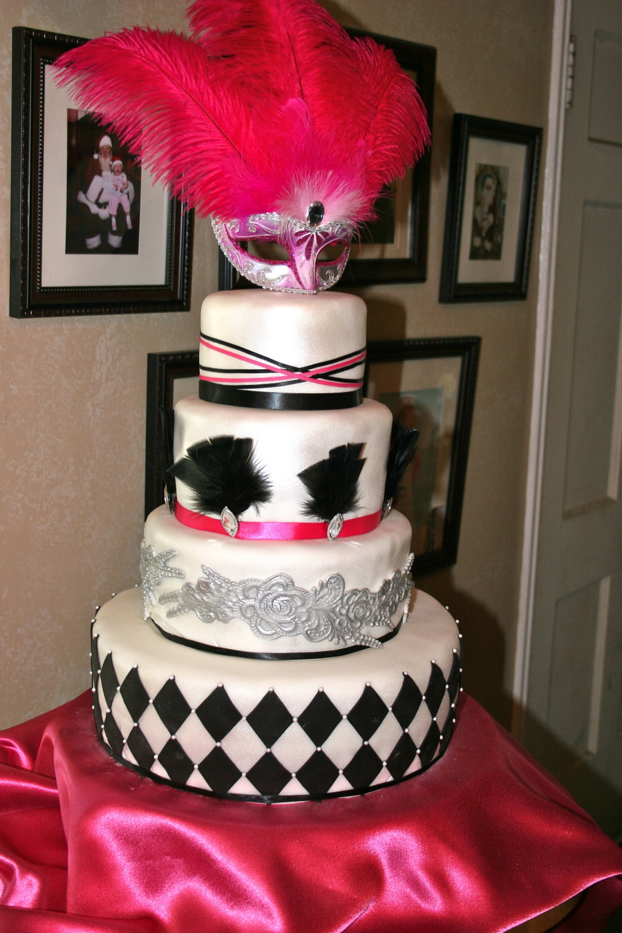 Cake Decorating Ideas For Quinceanera : Masquerade Theme, La Quinceanera Cake - CakeCentral.com