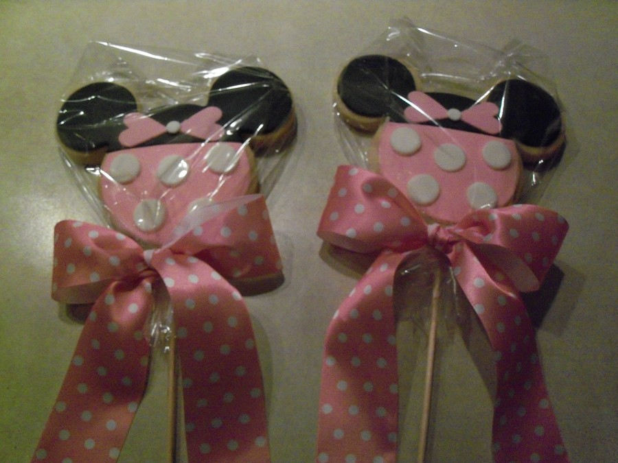 Minnie Cookies  on Cake Central