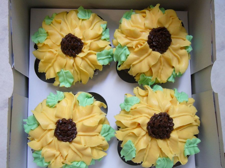 Yellow flower cupcakes cakecentral yellow flower cupcakes on cake central mightylinksfo