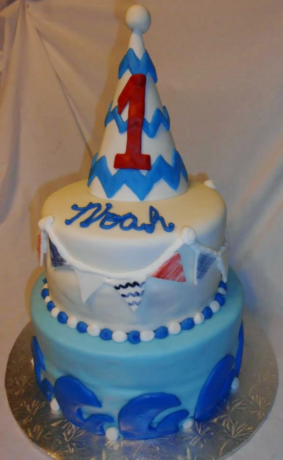 Babys First Birthday White Cake Covered In Vanilla Buttercream Home Made Marshmallow Fondant With