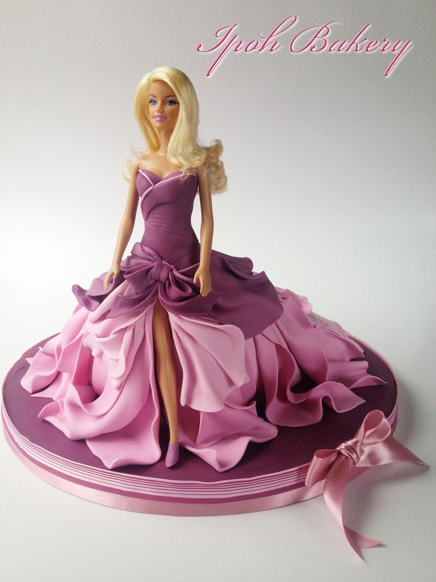 A Different Take On The Barbie Doll Cake Instead Of A Dome ...