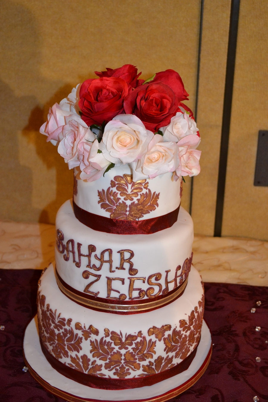 Indian Damask With Hand Painted Gold  on Cake Central