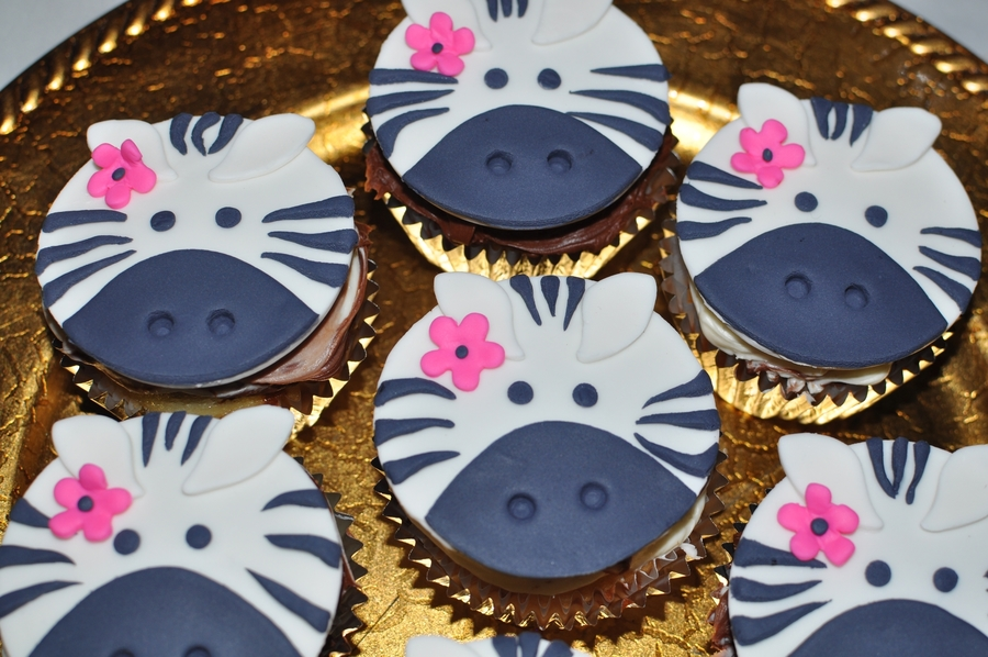 Zebra cupcake toppers for Animal print edible cake decoration