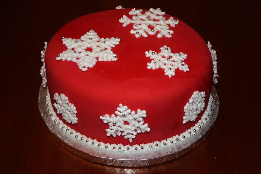 Snowflakes on Cake Central