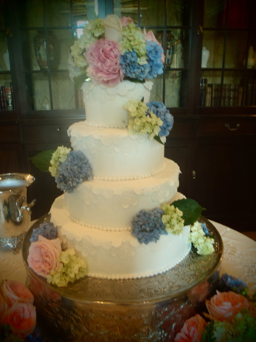 Lace And Flowers on Cake Central