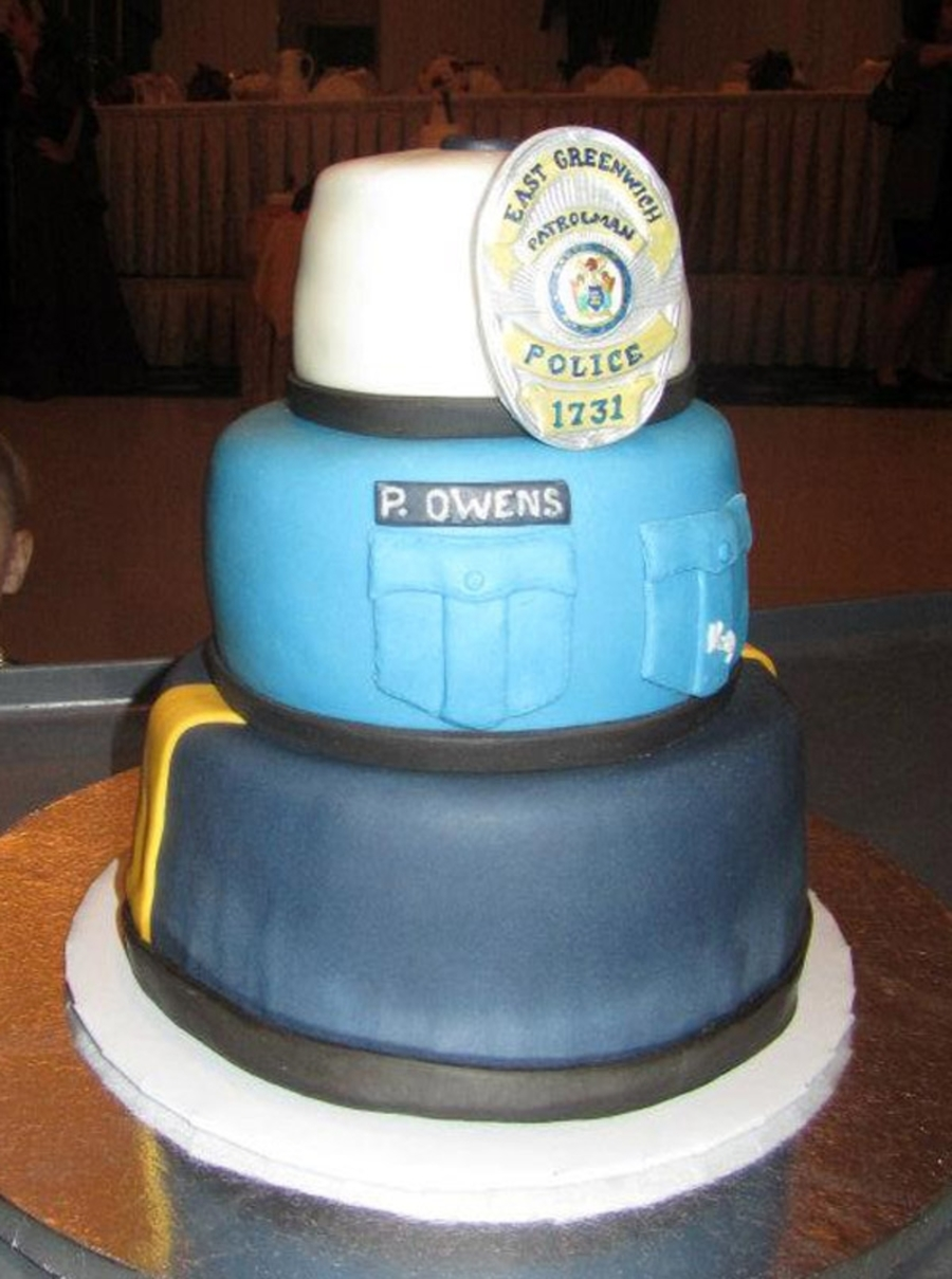 Police Officer Cake - CakeCentral.com