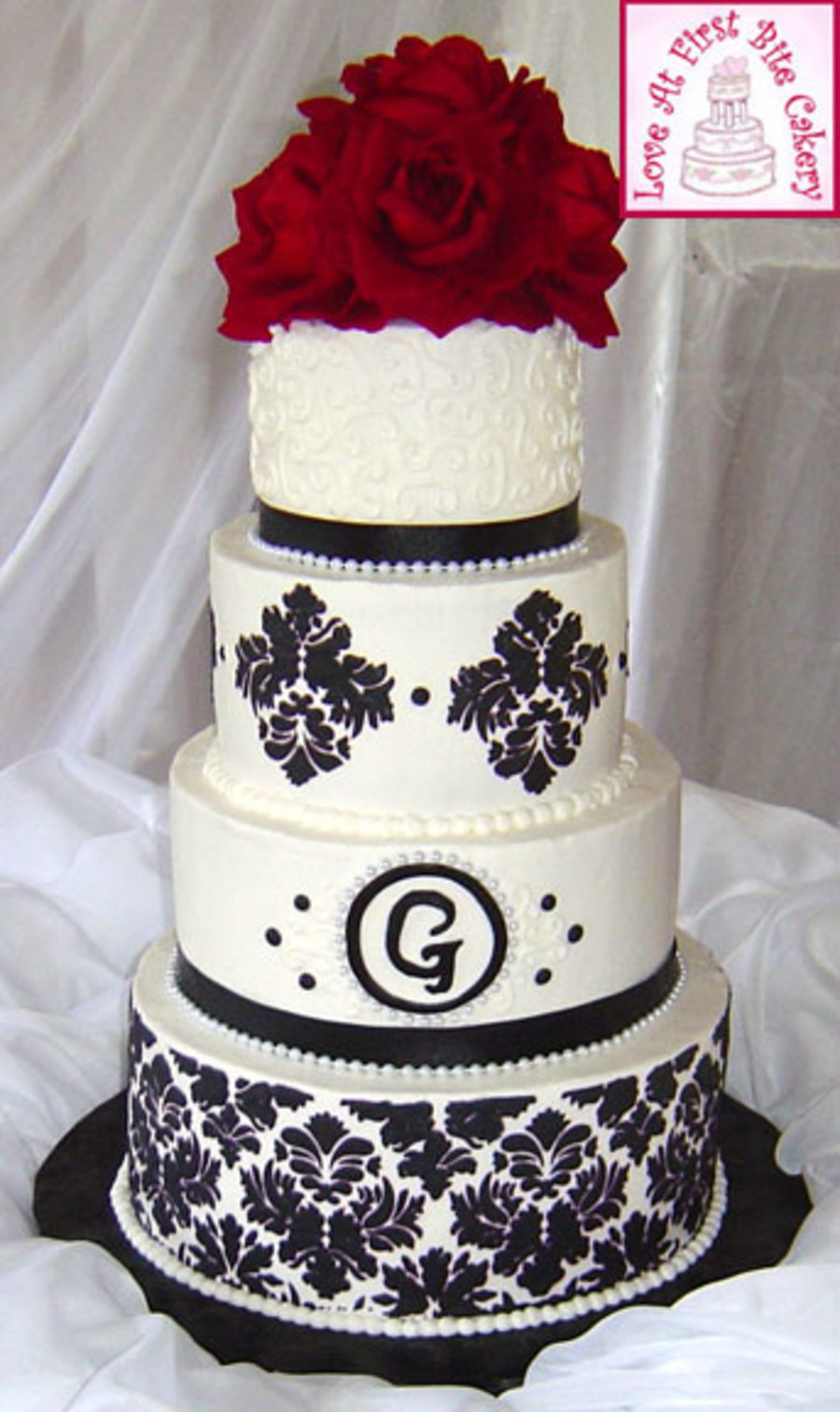 stenciled black white red wedding cake. Black Bedroom Furniture Sets. Home Design Ideas
