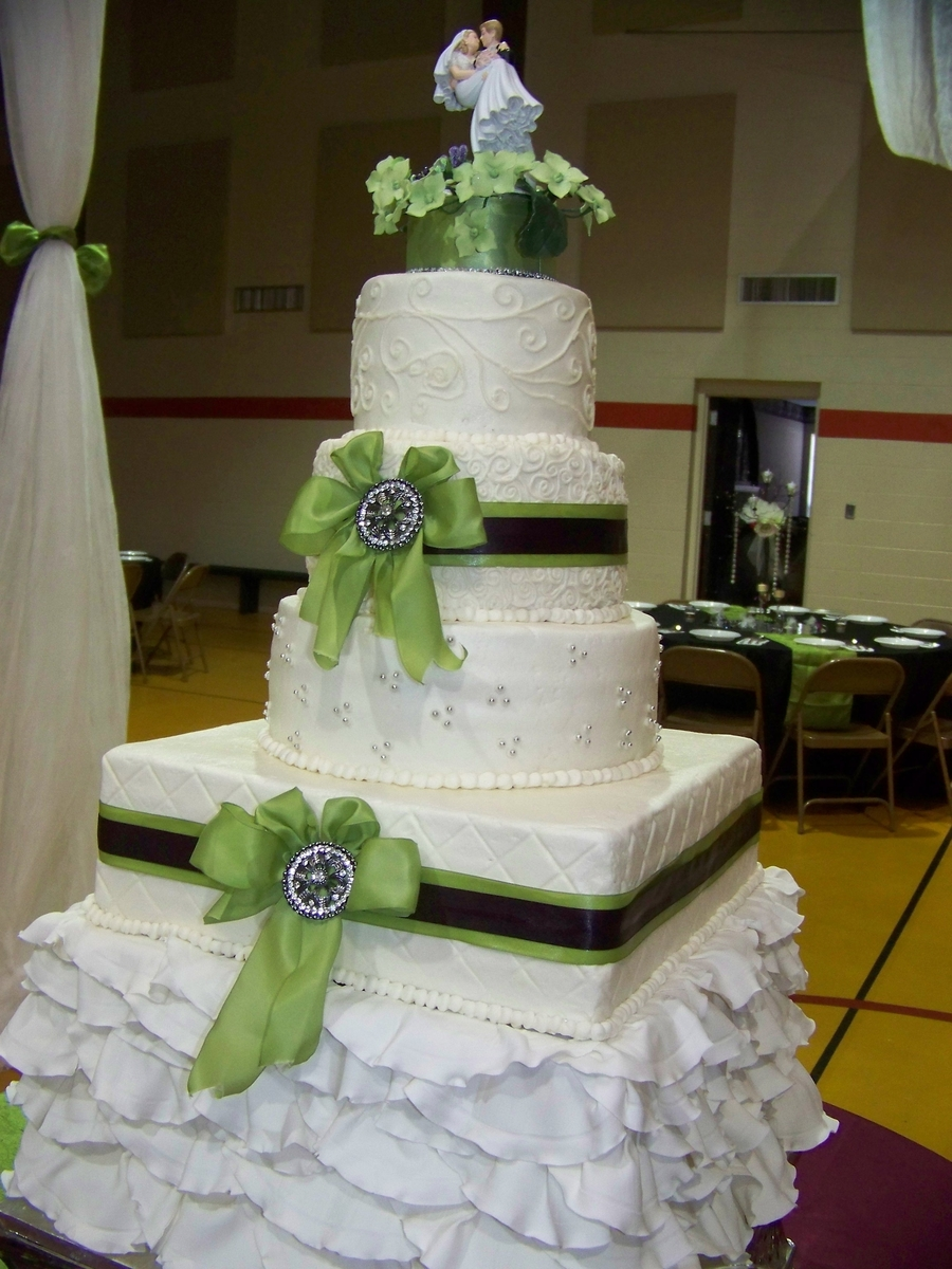 Ruffles, Bows & Flowers on Cake Central