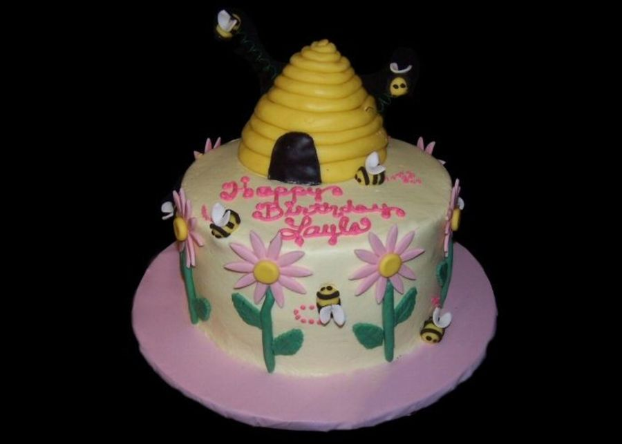 Bee Flower Garden  on Cake Central
