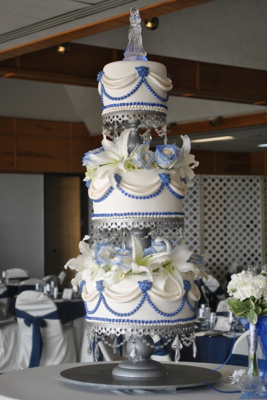 Sapphire And Ivory Cake Cakecentral Com
