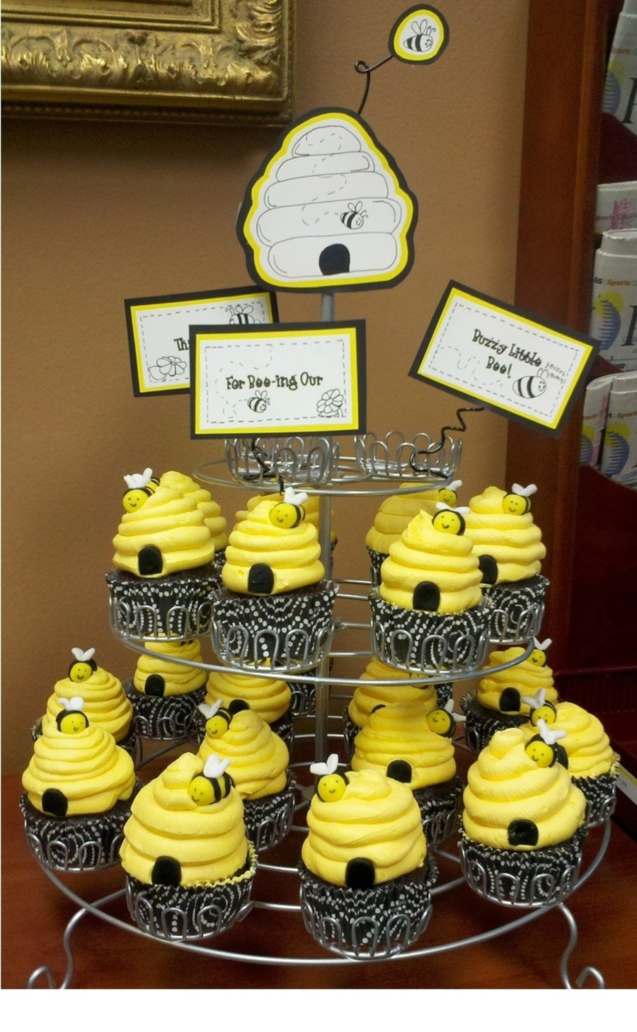 Bumble Bee Cupcakes Cakecentral Com