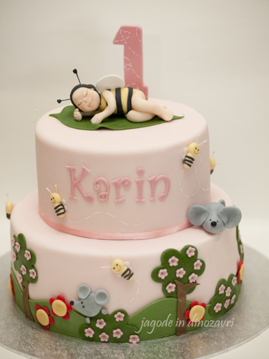 Baby Bee Cake on Cake Central