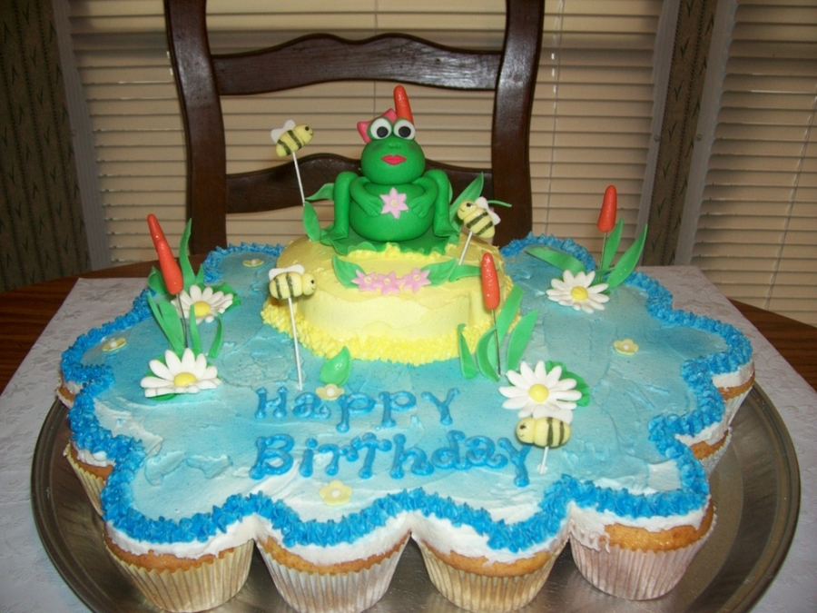 Frog Cupcake Cake on Cake Central