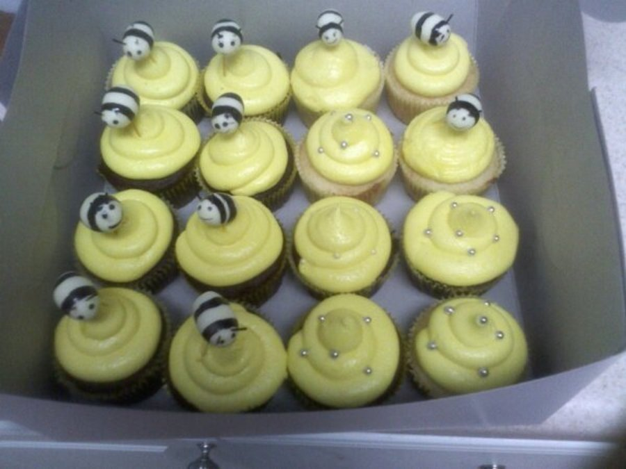 Bumble Bee Cupcakes on Cake Central