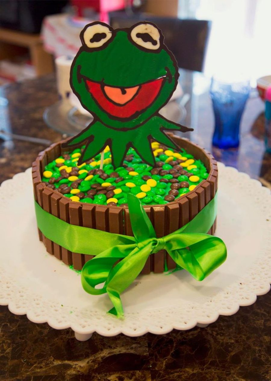 Astonishing Kermit Candy Birthday Cake Cakecentral Com Funny Birthday Cards Online Sheoxdamsfinfo