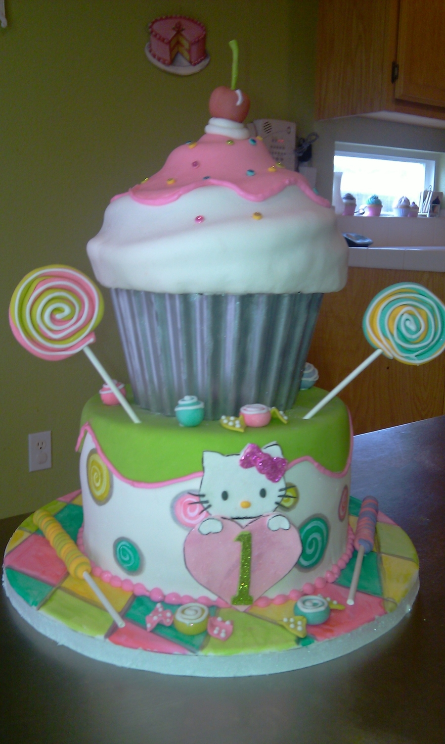 1st Birthday Hello Kitty Cupcake Cake Cakecentral