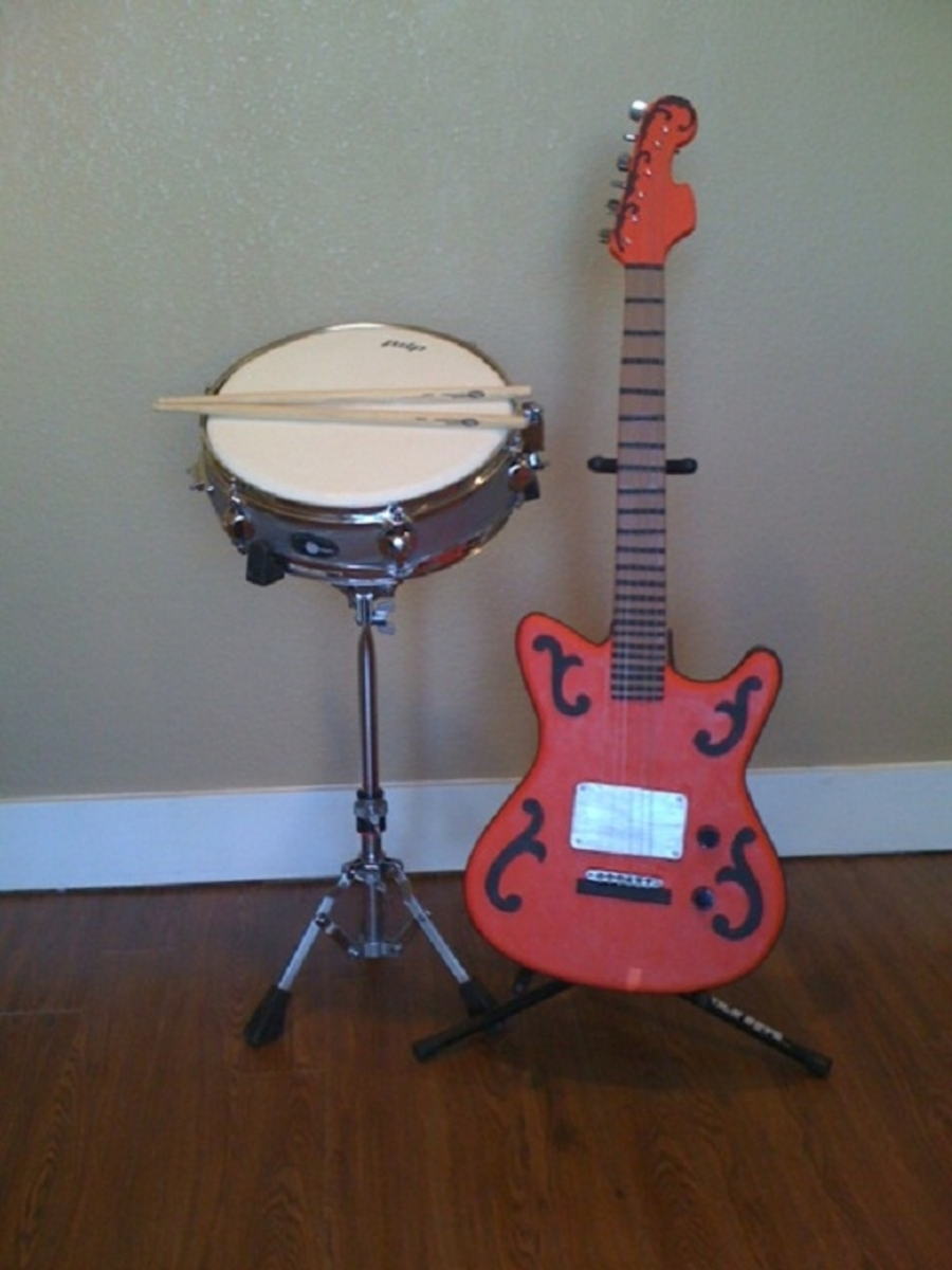 Guitar And Drum on Cake Central