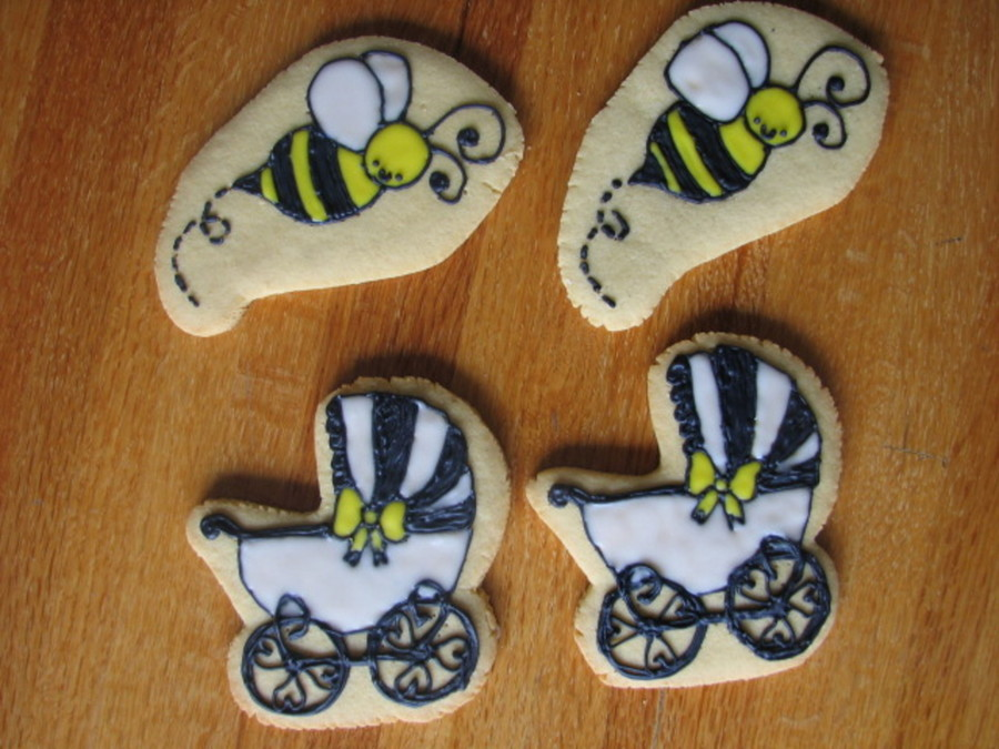 Bees And Buggies on Cake Central