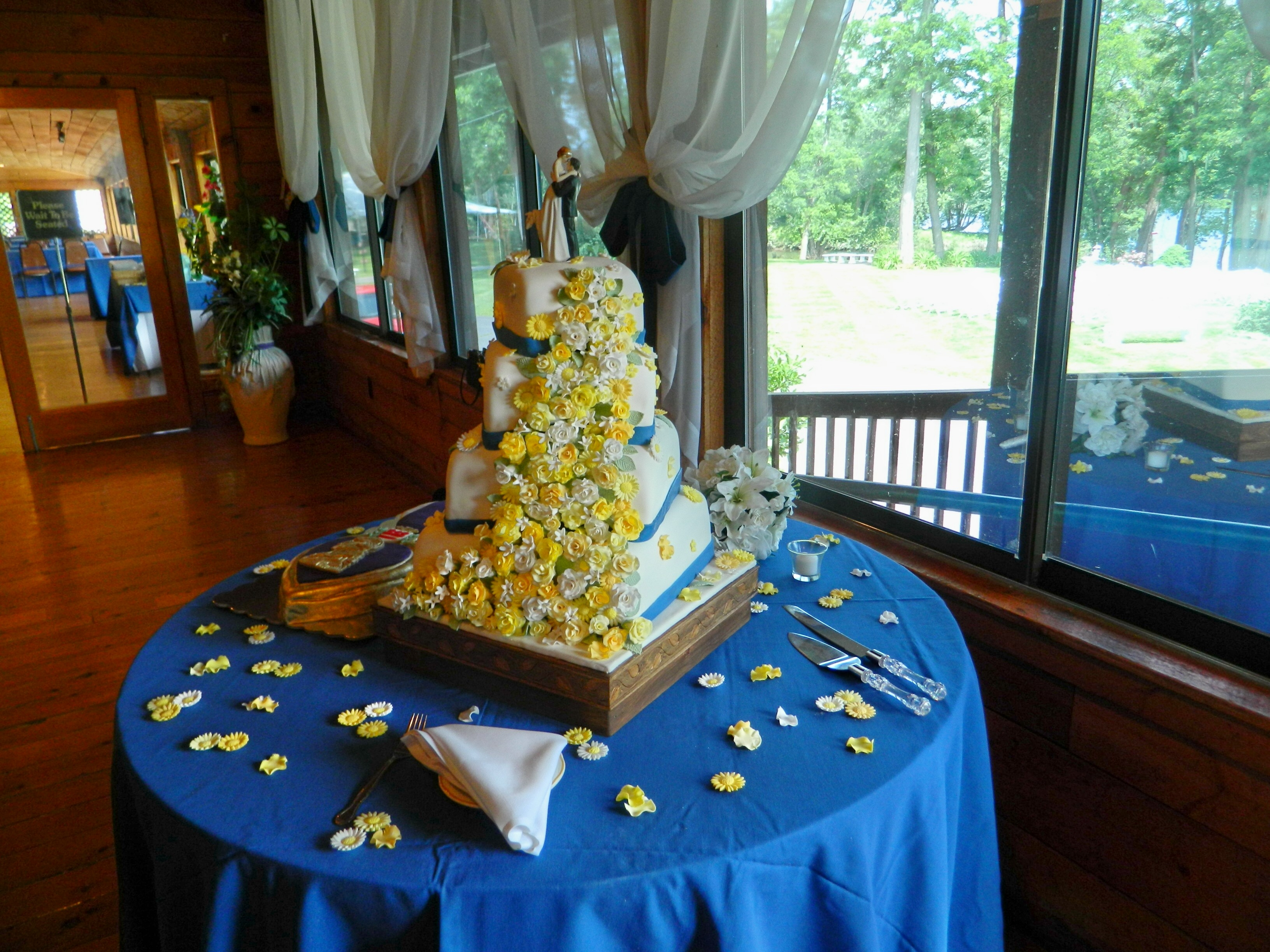 4 Tier Yellow And White Flowers fset Square Wedding