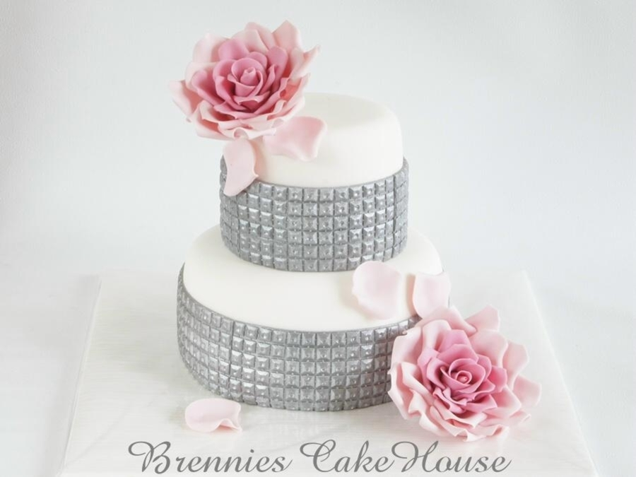 Sparkle Away on Cake Central