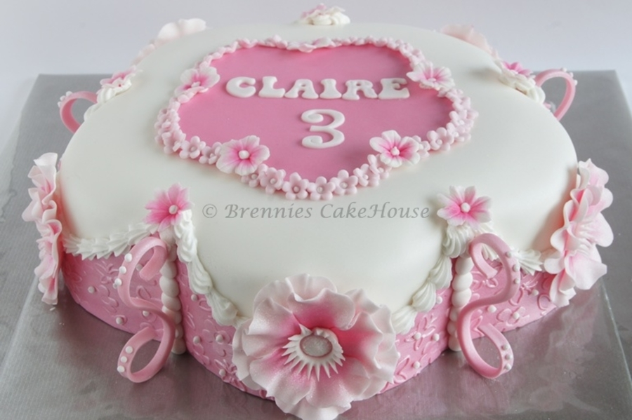 Girly Cake Images : Girly Cake - CakeCentral.com