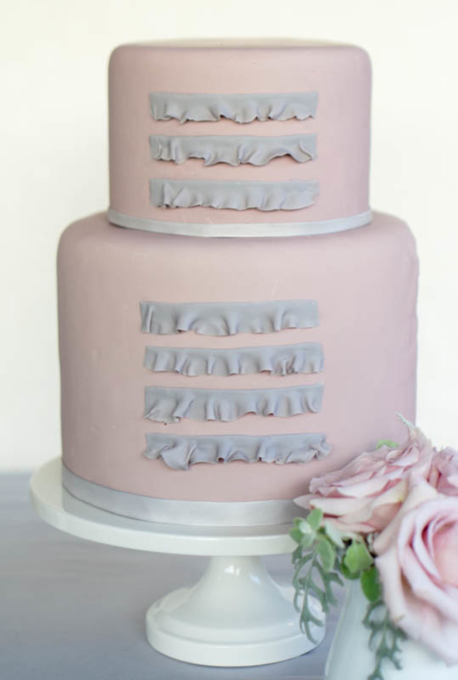 Simple Ruffle Cake on Cake Central