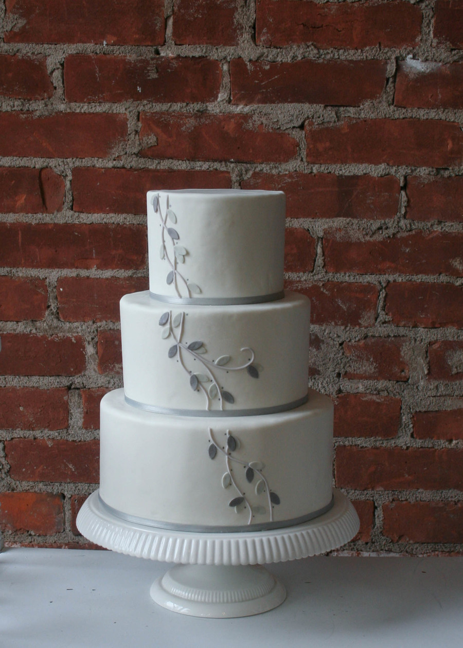 Winter Leaves And Vines on Cake Central