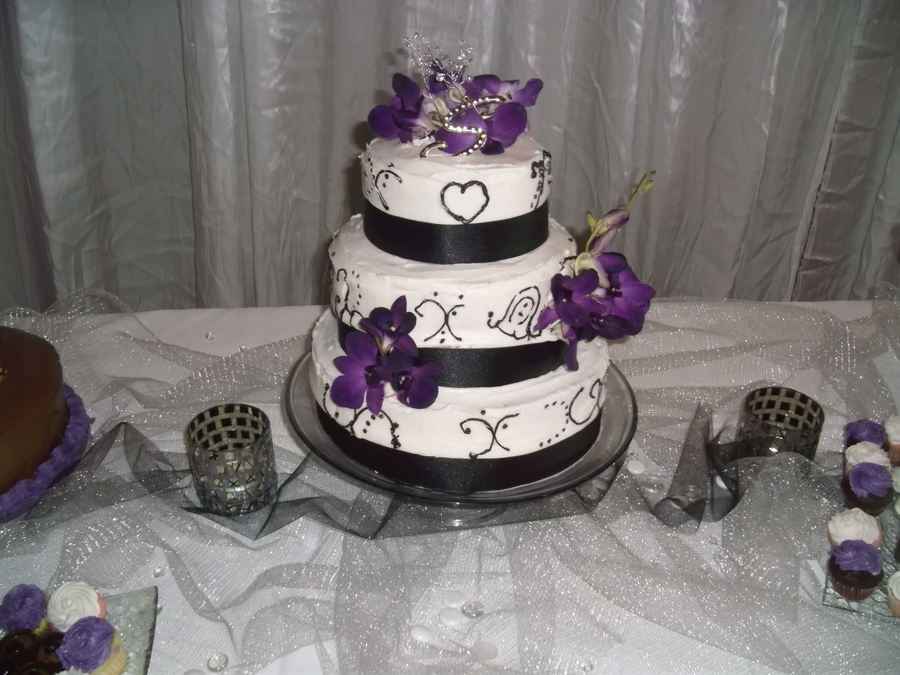 Black And White Wedding Cake With Purple Orchids Cakecentral Com
