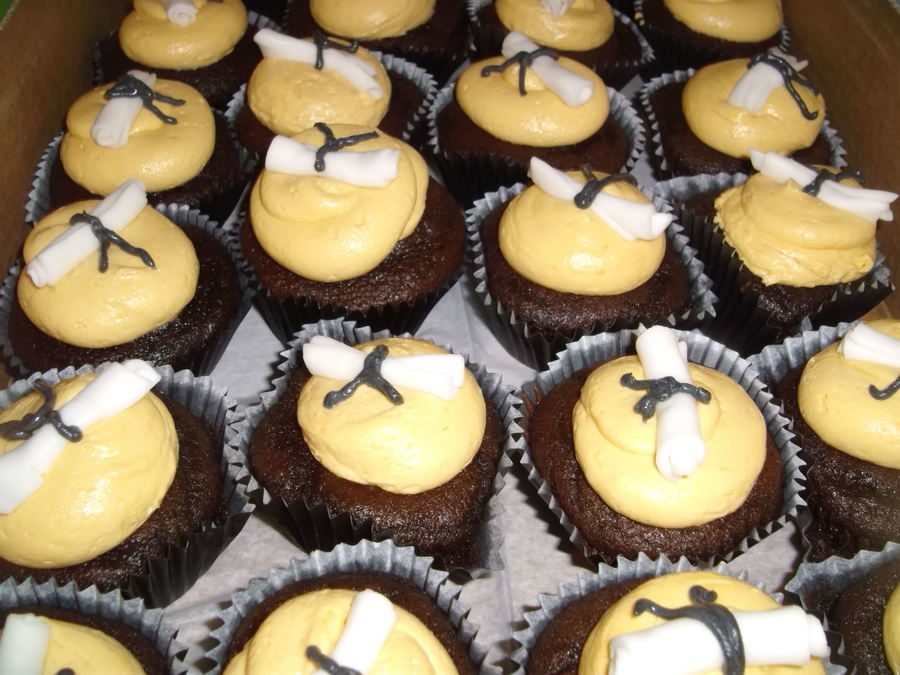 Diploma Cupcakes on Cake Central
