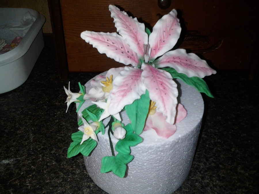 Gum Paste Stargazer Lily  on Cake Central