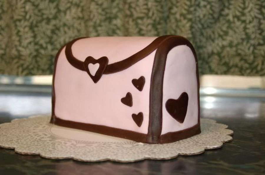 Heart Purse on Cake Central