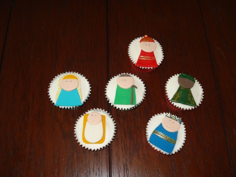 Nativity Cupcakes on Cake Central