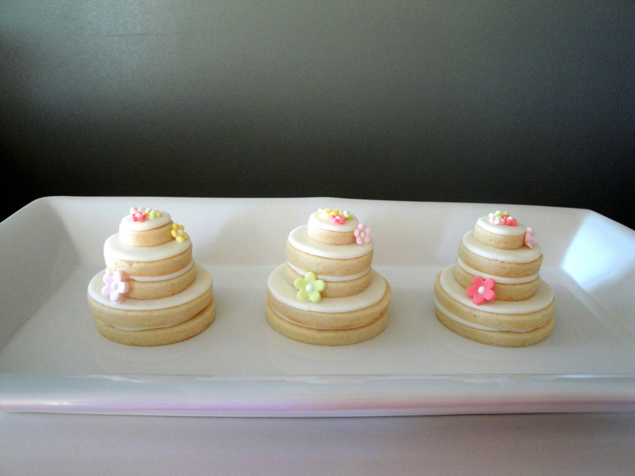 stacked wedding cake cookie favors stacked wedding cake cookies cakecentral 20462